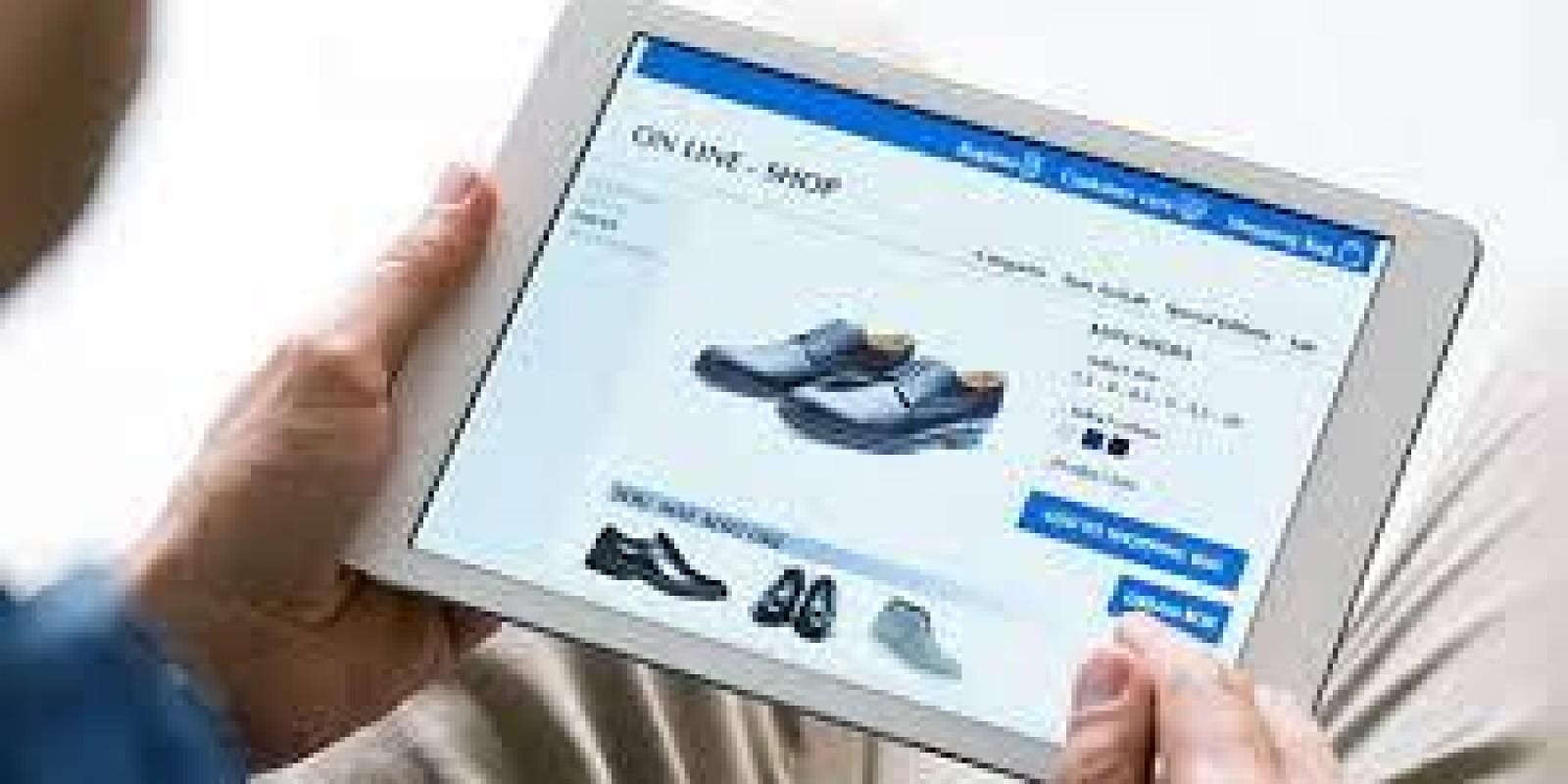 51% dos internautas fizeram compras por aplicativos no último ano, revela estudo da CNDL/SPC Brasil
