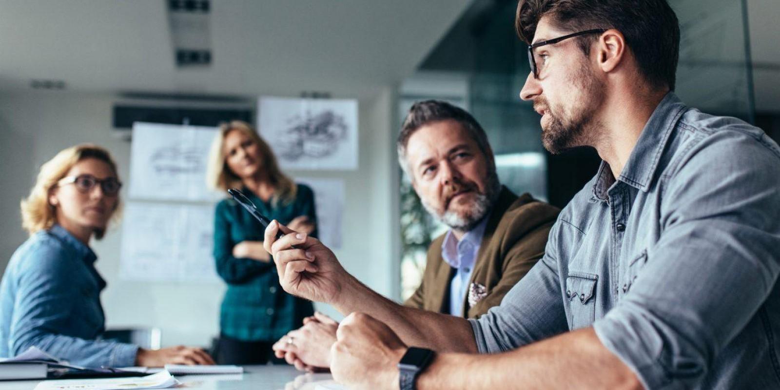 Qual a idade dos empresários bem-sucedidos no setor de tecnologia?