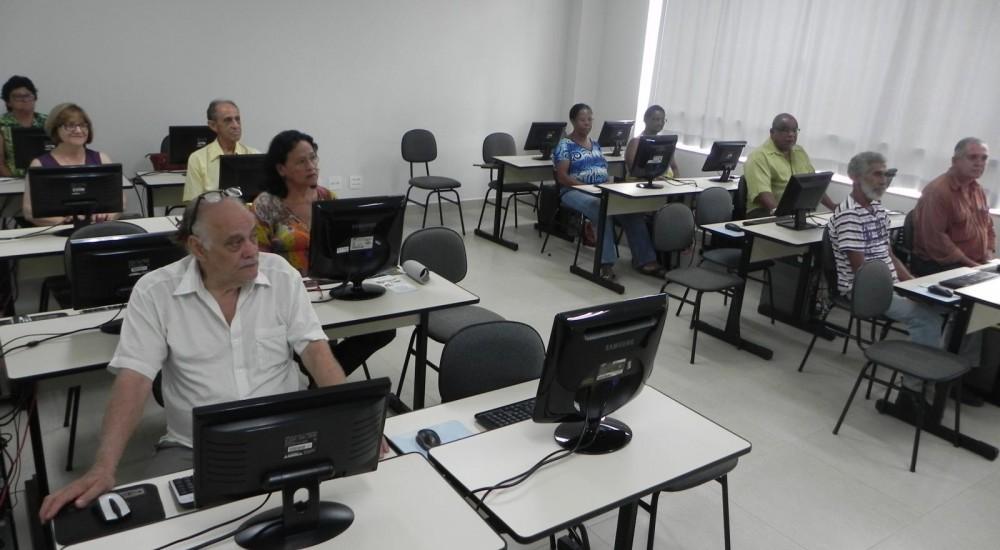 [Escola de Informática inicia semestre com mais de 250 alunos]